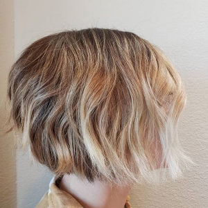 Going-lighter-is-a-process-but-if-you-are-patient-enough-your-color-is-fire-mkebalayagehairstylist-mkehairstylist-milwaukeehair-mkehai
