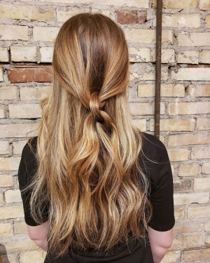 This-natural-red-head-received-some-balayage-and-now-her-sunkissed-mermaid-hair-is-flawless