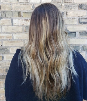 Todays-Balayage-_Balayage-is-low-maintenance-and-already-_grown-out_